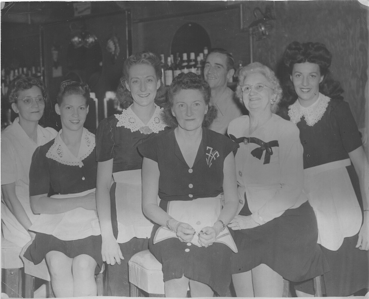 Jimmie Jones and her girls, the waitresses of the Green Shack