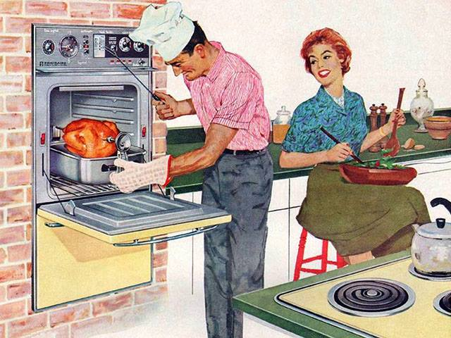 2-MCM-Couple-cooking-Thanksgiving-dinner.jpg