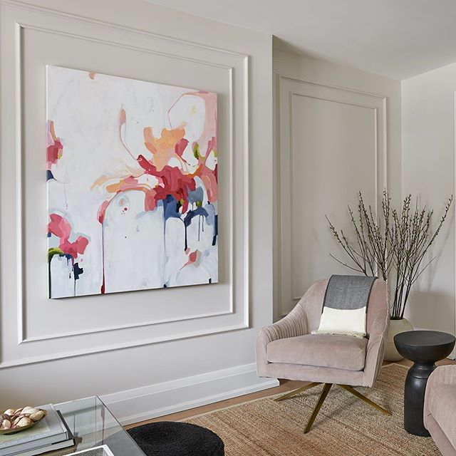 BARE NAKED // We picked the perfect shade of nude to ensure this gorgeous abstract by @susannah_bee_art remains the centrepiece of the panelled Living Room at #MCDProjectBedfordPark . . 📸 by @stephanibuchmanphoto . . . #artisimportant #artcommission #livingroomdesign #nudewalls #palepink #sw6077 #wallpanelling #interiordesign #torontodesign #meghancarterdesign