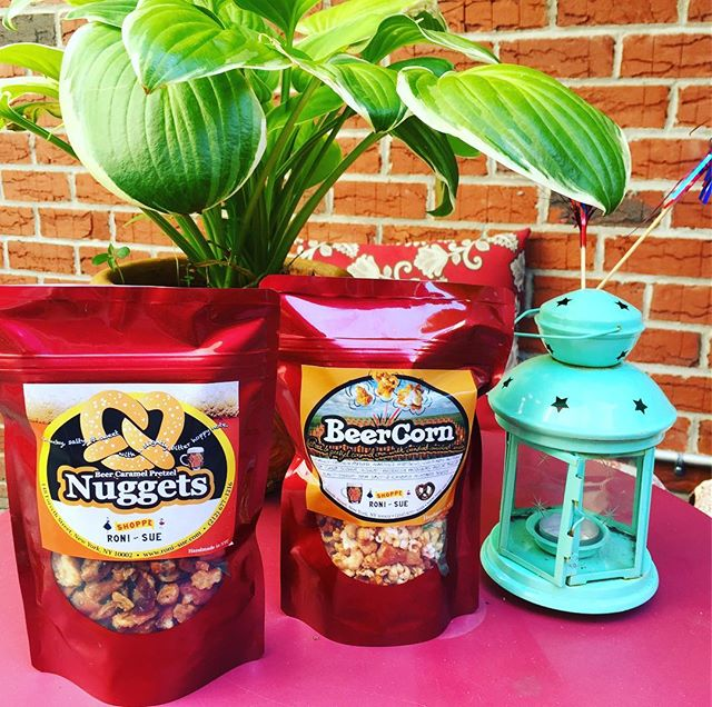 That's what we call bringing the #beer to the #bbq!! 🍻🍺#beercorn #nuggets #caramel Open late today- come get yer #july4th #snacks 🍿🍫🍬🥓