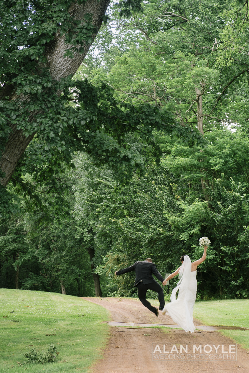 1401gray-283_wedding_tasmania_quamby_bride_groom_ideas_destination_launceston_alan_moyle_photobat_moments_story_phantom_details_bayside.jpg
