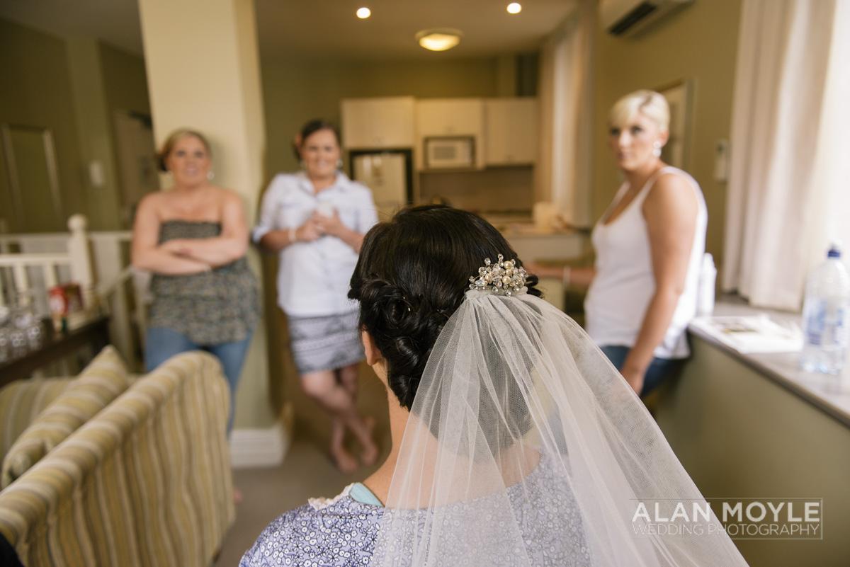 1401gray-049_wedding_tasmania_quamby_bride_groom_ideas_destination_launceston_alan_moyle_photobat_moments_story_phantom_details_bayside.jpg