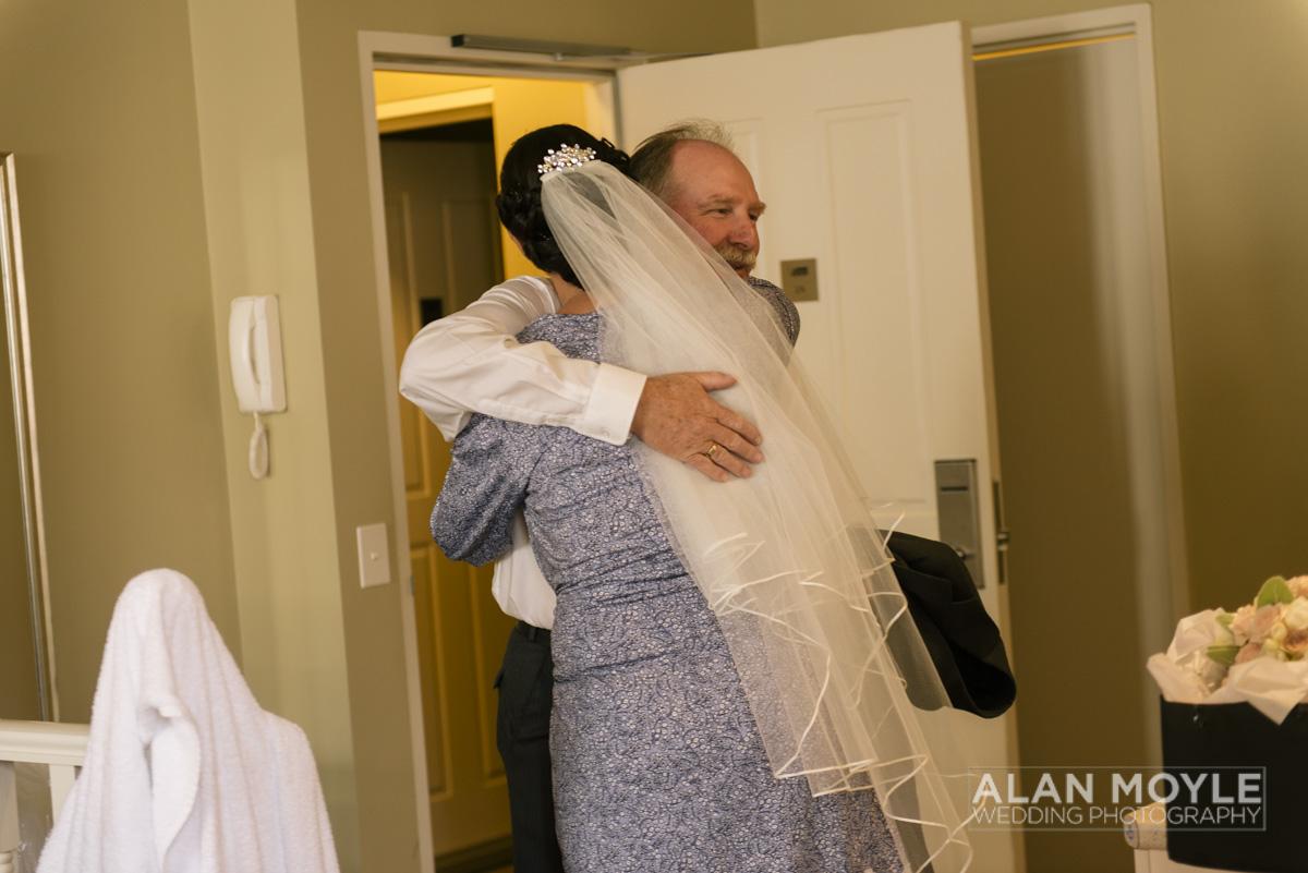 1401gray-053_wedding_tasmania_quamby_bride_groom_ideas_destination_launceston_alan_moyle_photobat_moments_story_phantom_details_bayside.jpg