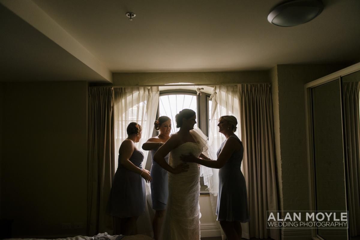 1401gray-062_wedding_tasmania_quamby_bride_groom_ideas_destination_launceston_alan_moyle_photobat_moments_story_phantom_details_bayside.jpg