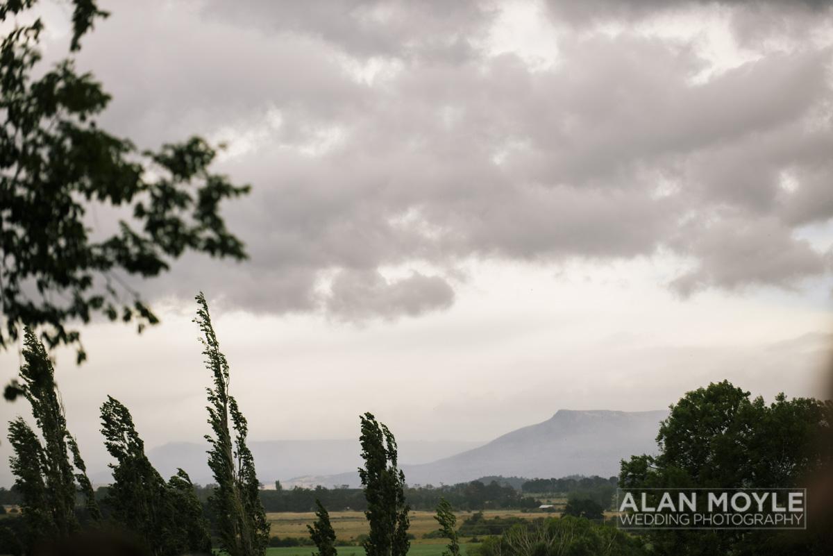 1401gray-164_wedding_tasmania_quamby_bride_groom_ideas_destination_launceston_alan_moyle_photobat_moments_story_phantom_details_bayside.jpg
