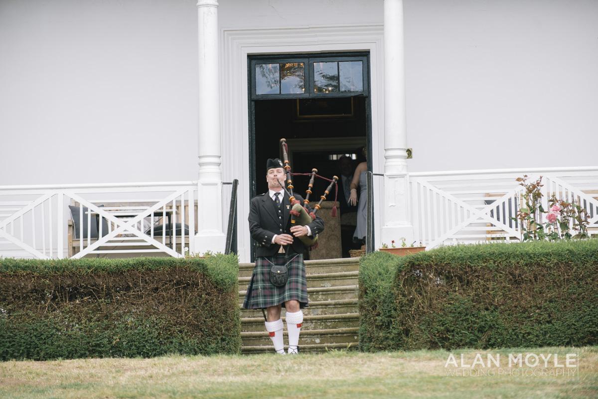 1401gray-168_wedding_tasmania_quamby_bride_groom_ideas_destination_launceston_alan_moyle_photobat_moments_story_phantom_details_bayside.jpg