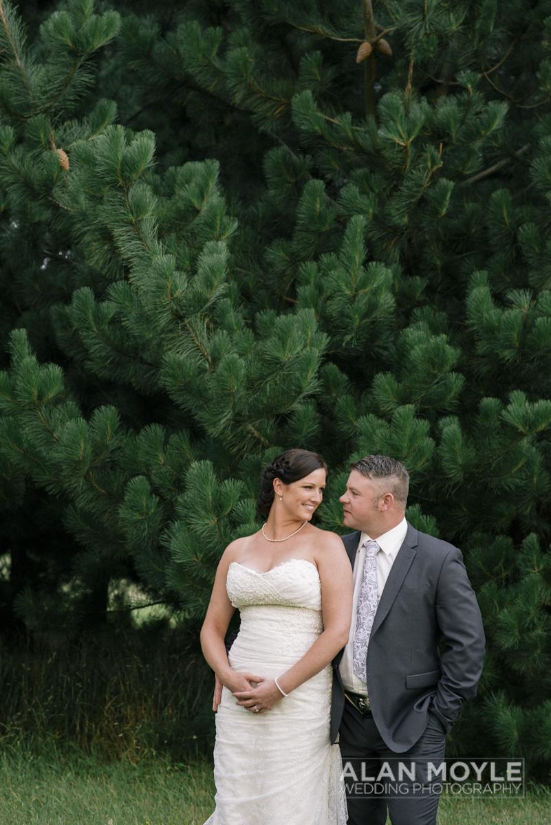 1401gray-443_wedding_tasmania_quamby_bride_groom_ideas_destination_launceston_alan_moyle_photobat_moments_story_phantom_details_bayside.jpg