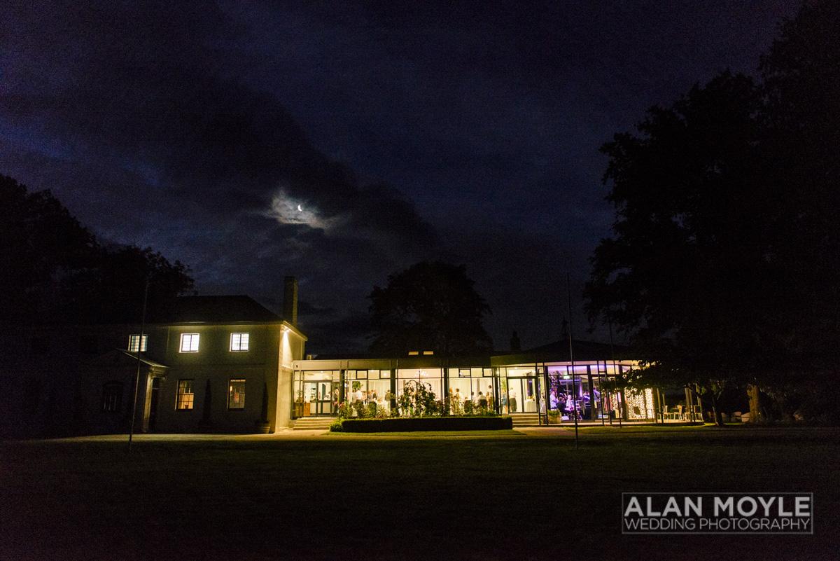 1401gray-522_wedding_tasmania_quamby_bride_groom_ideas_destination_launceston_alan_moyle_photobat_moments_story_phantom_details_bayside.jpg