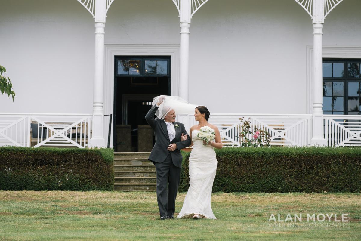 1401gray-179_wedding_tasmania_quamby_bride_groom_ideas_destination_launceston_alan_moyle_photobat_moments_story_phantom_details_bayside.jpg