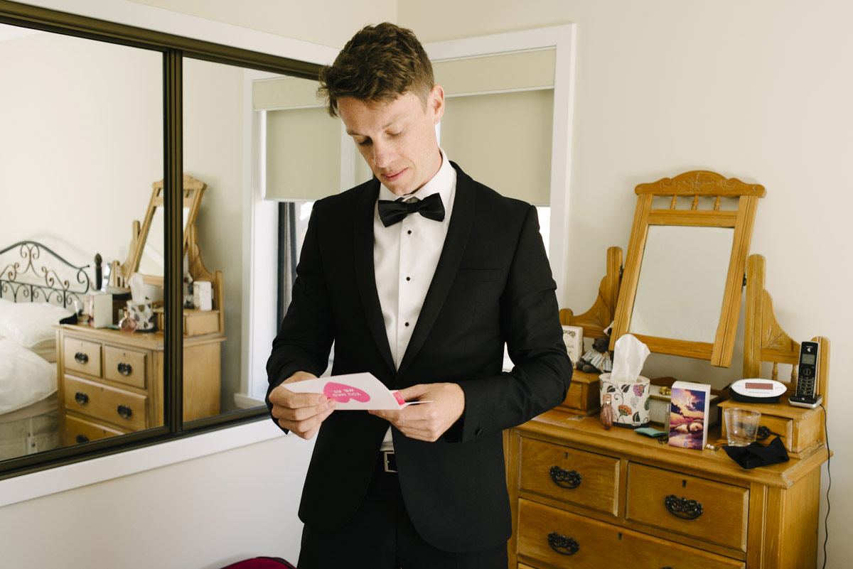 1403richter-019wedding_groom_note_hidden_armani_topman_suit_alan_moyle_photography_tasmania.jpg