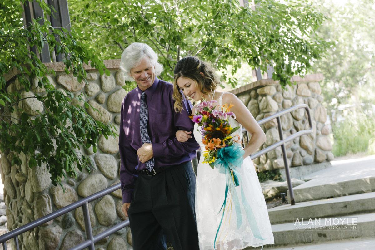 1408hartkop-173_wedding_photobat_alan_moyle_USA_destination_colorado_pueblo_coffee_documentary_photographer_solarroast_casual_candid_melbourne_sandringham_brighton.jpg