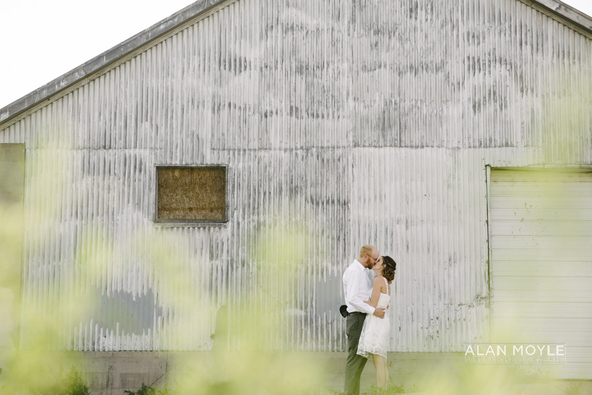 1408hartkop-351_wedding_photobat_alan_moyle_USA_destination_colorado_pueblo_coffee_documentary_photographer_solarroast_casual_candid_melbourne_sandringham_brighton.jpg