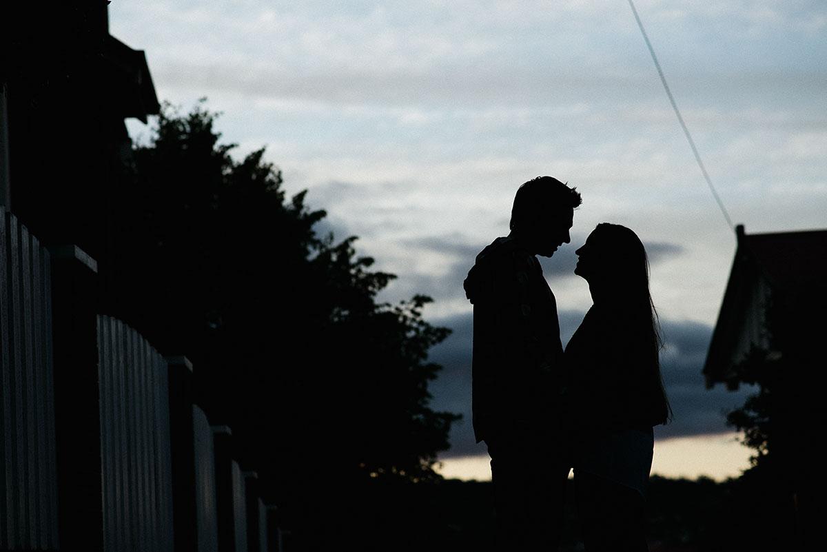 untitled-shoot-050_Alan_moyle_wedding_engagement_portrait_Melbourne_Launceston_black_rock_brighton_carpark.jpg