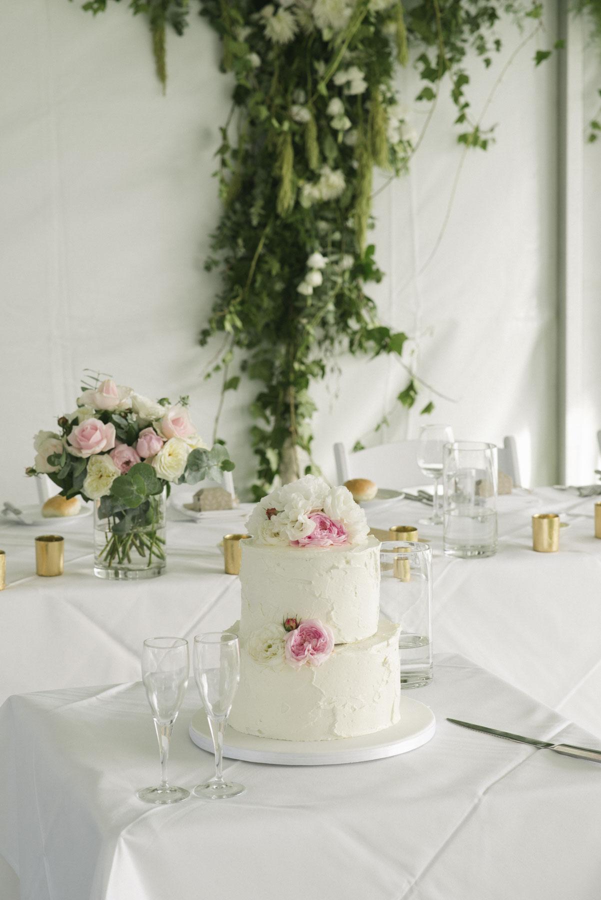 1501vand-274alan_moyle_wedding_portrait_brighton_bayside_werribee_estate_mansion_zoo_rustic_styled_garden_mansion_candid_documentry_victoria_whitelaw.jpg