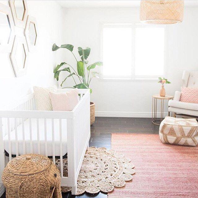 2256d4d0c8cc4db9465472ddca8c4fb1--chic-nursery-nursery-decor.jpg