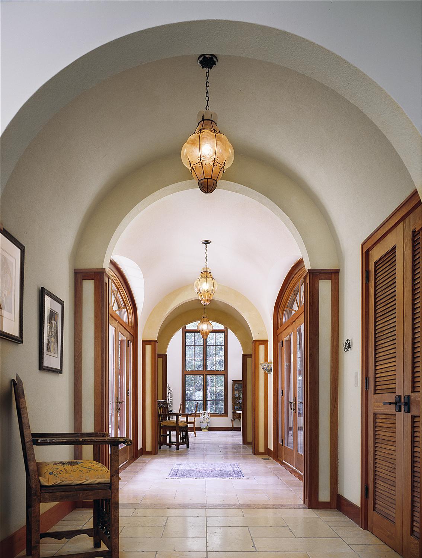 Hallway No Color.jpg