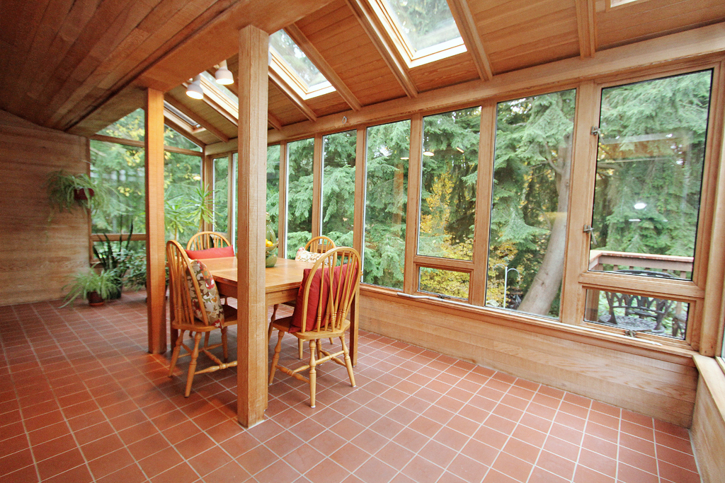 Sunroom MLS.jpg