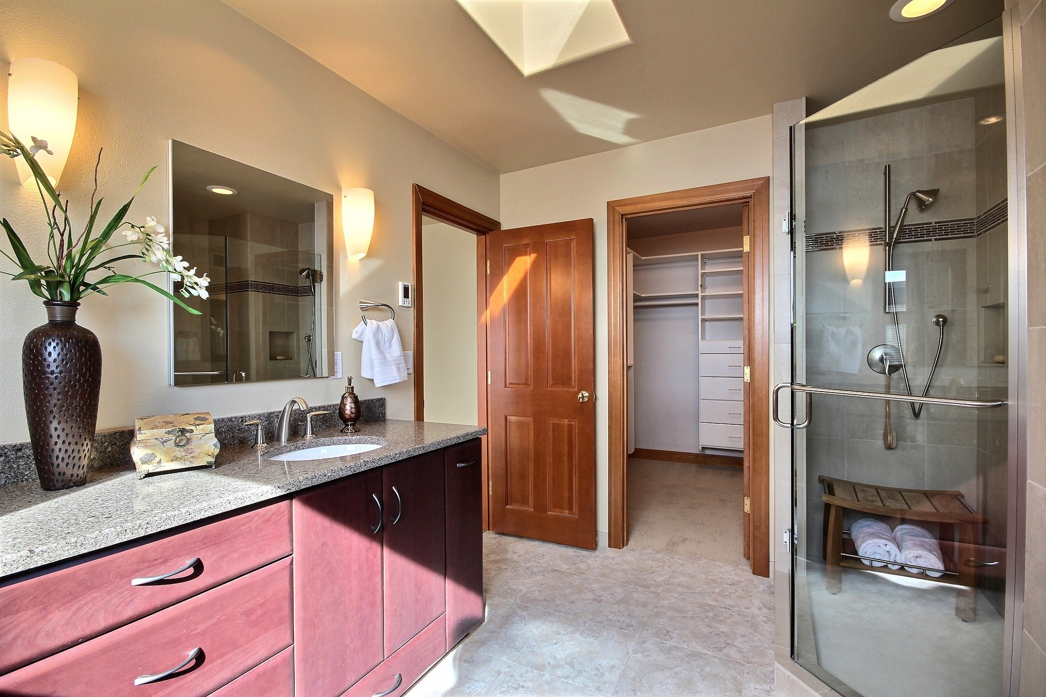 26374969_master_bathroom_2.jpg
