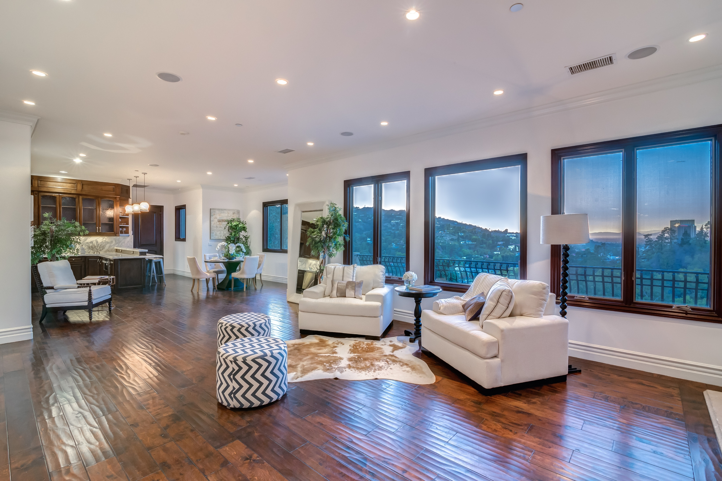 3343 N KNOLL DR., $2,099,000 - SOLD!