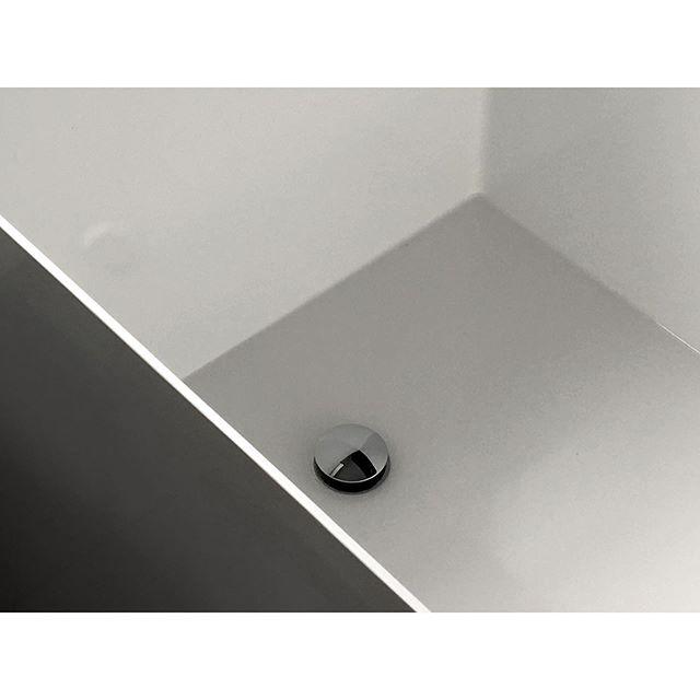 White and chrome: the inside of our Deep Tub . . . #nzarchitecture #nzdesign #deeptub #soakingtub #bathroomgoals #bathtub #arkitektur #arquitectura #modernarchitecture