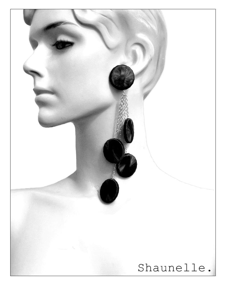 Punto Earring 4P logo.jpg