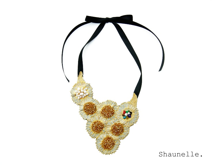 Statement necklace 1.JPG