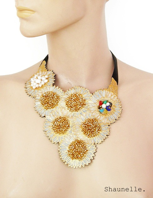 Statement necklace 2.JPG