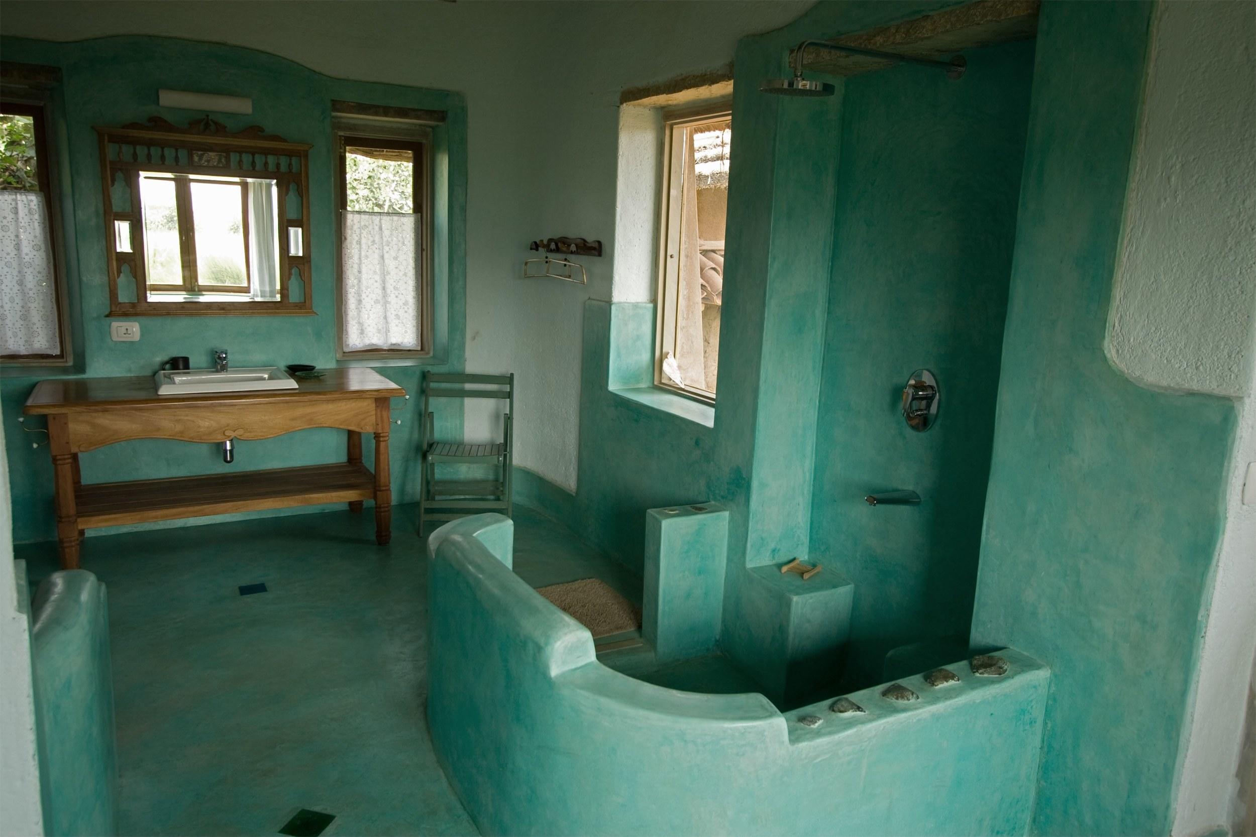 ctge2bathroom.jpg