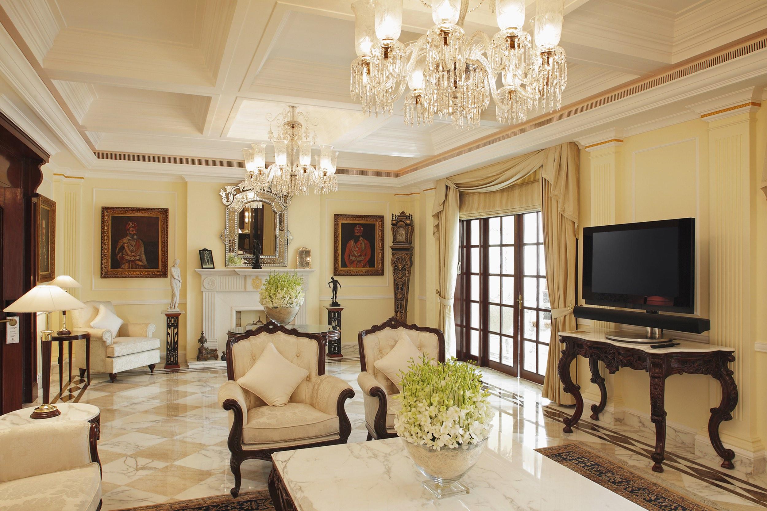 12 Royal Imperial Suite.jpg