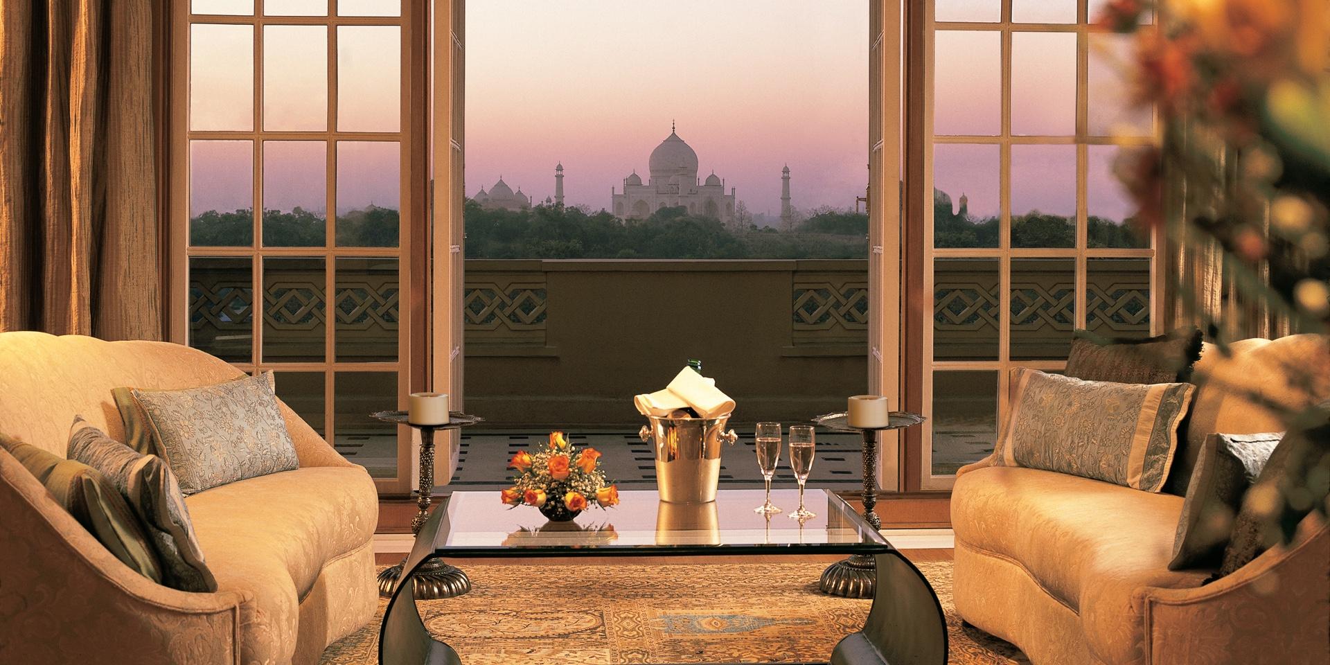 kohinoor-suite-living-room-balcony.jpg