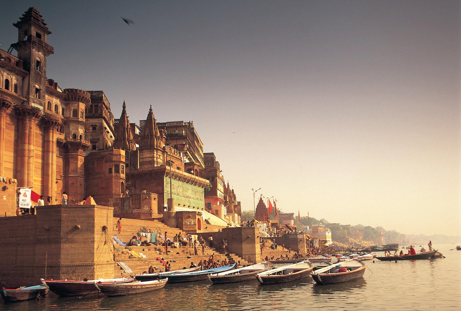 Hi_H0SL0_27647645_008 Holy Ganga River.jpg