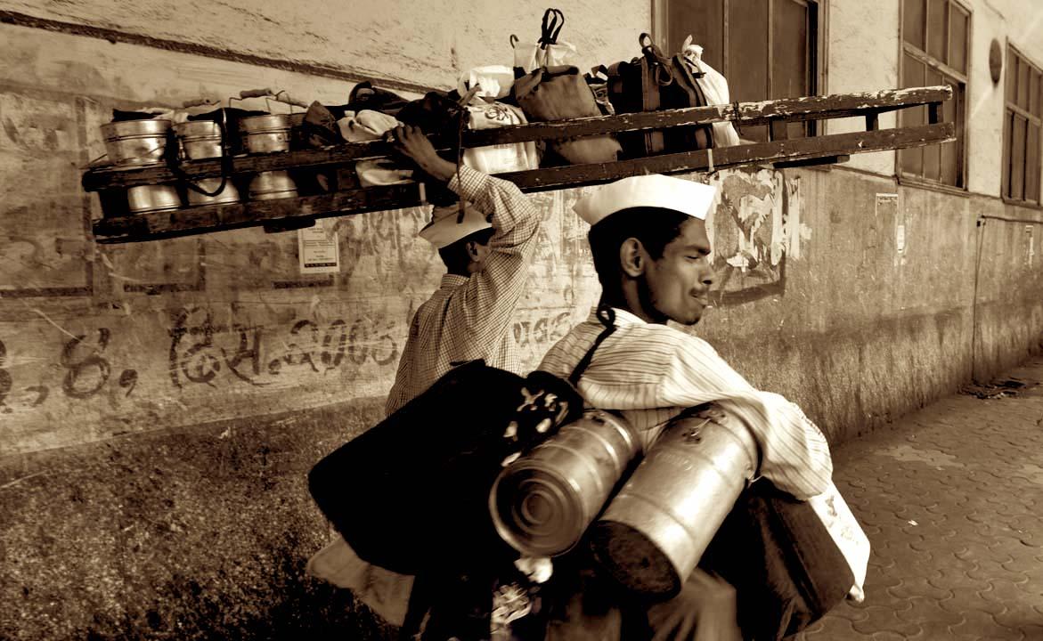 Mumbai_Dabbawala_or_Tiffin_Wallahs-_200,000_Tiffin_Boxes_Delivered_Per_Day.jpg