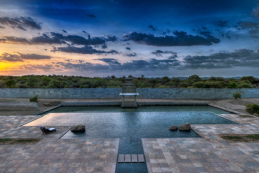 Hampi-Gallery-Photos-20_Pool-Sunset.jpg