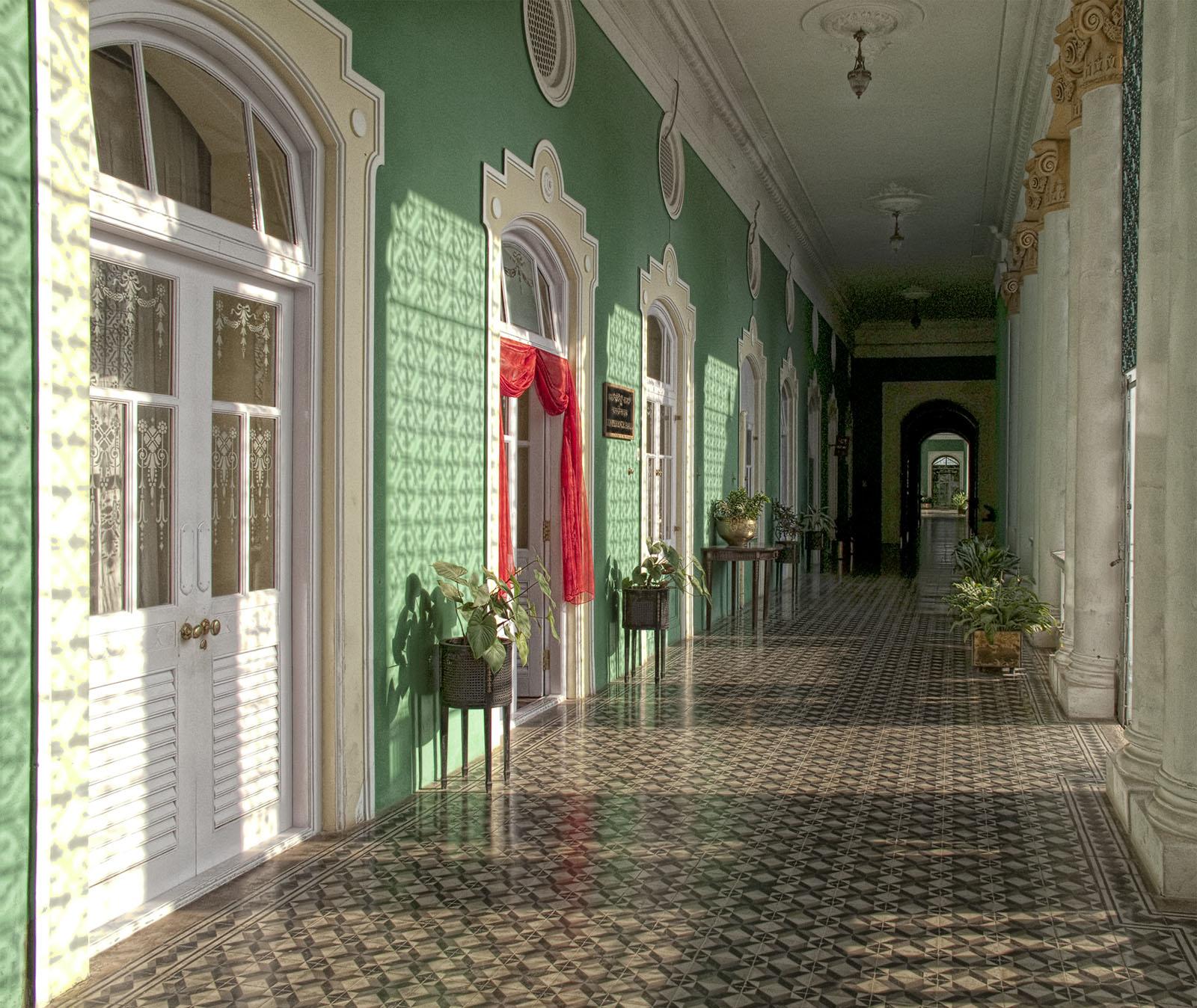 Lalitha_Mahal_Palace_Hotel,_Mysore6.jpg