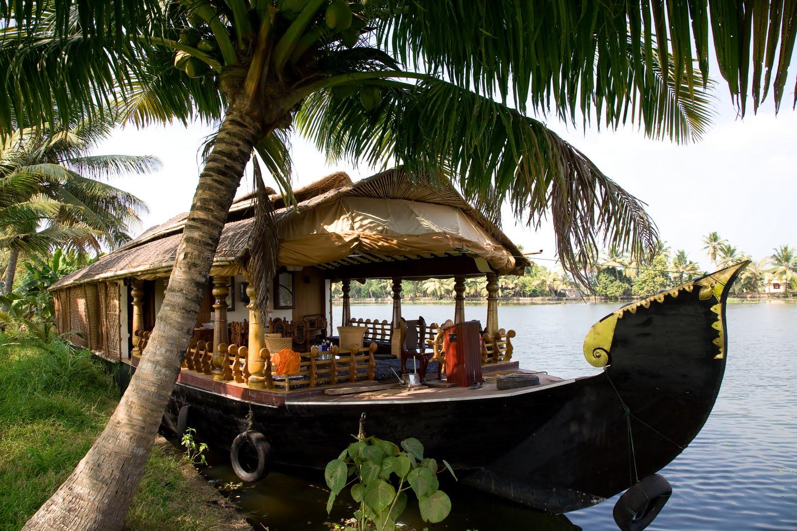 House+Boat+&+Backwaters+3.0.jpg