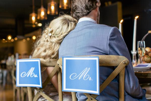 fall-wedding-inspiration-with-a-cider-bar-11.jpg