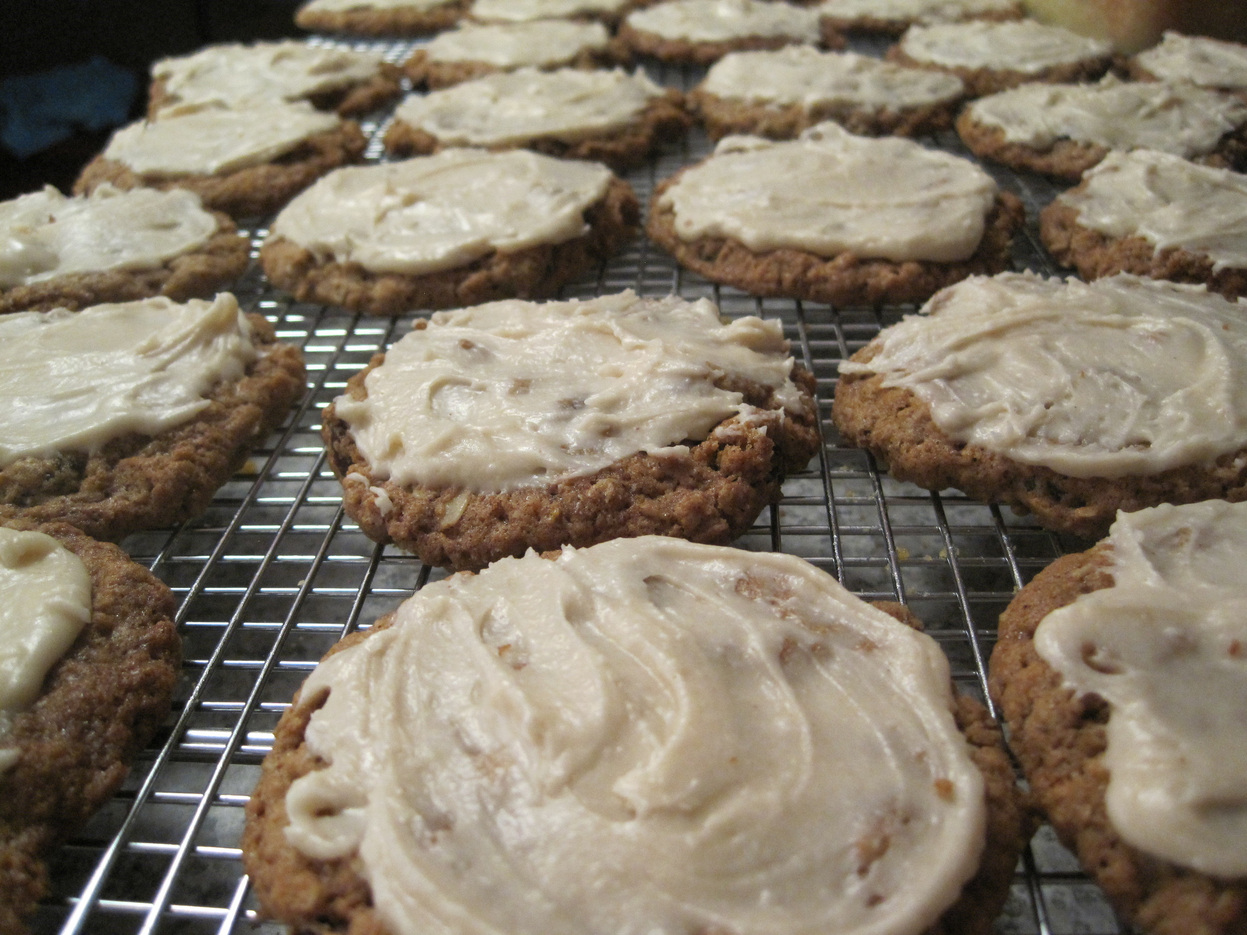 Oatmeal cookies, Apr, 2011.jpg