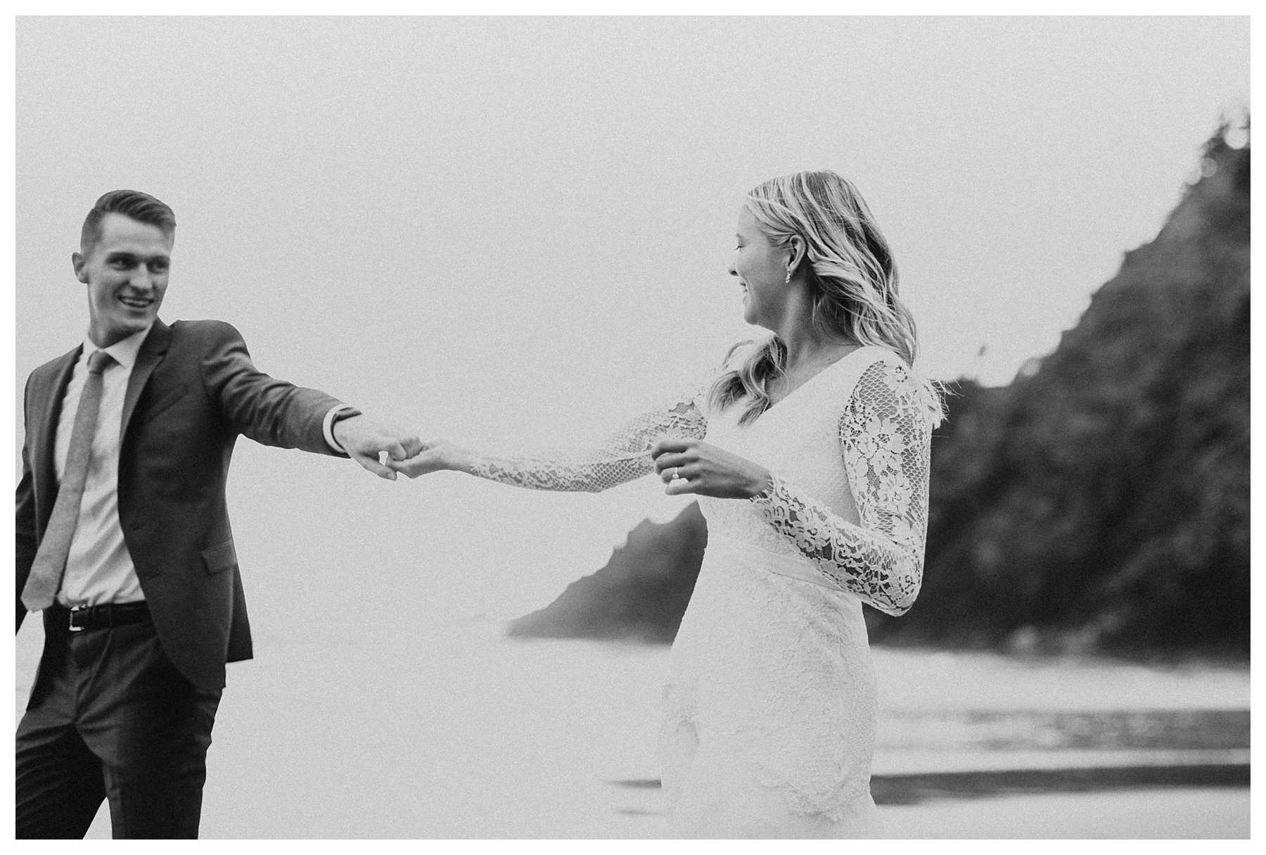 An elopement at Indian Beach on the Oregon Coast