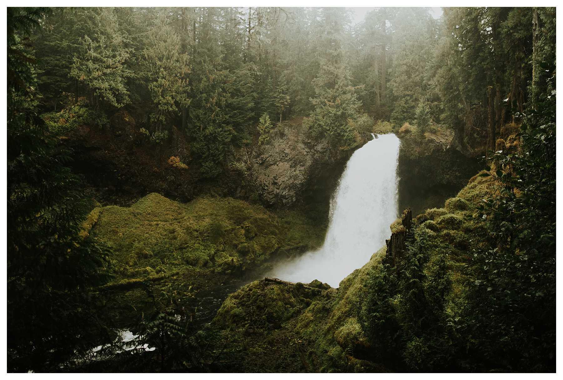 Oregon_Waterfall_Elopement_0034.jpg