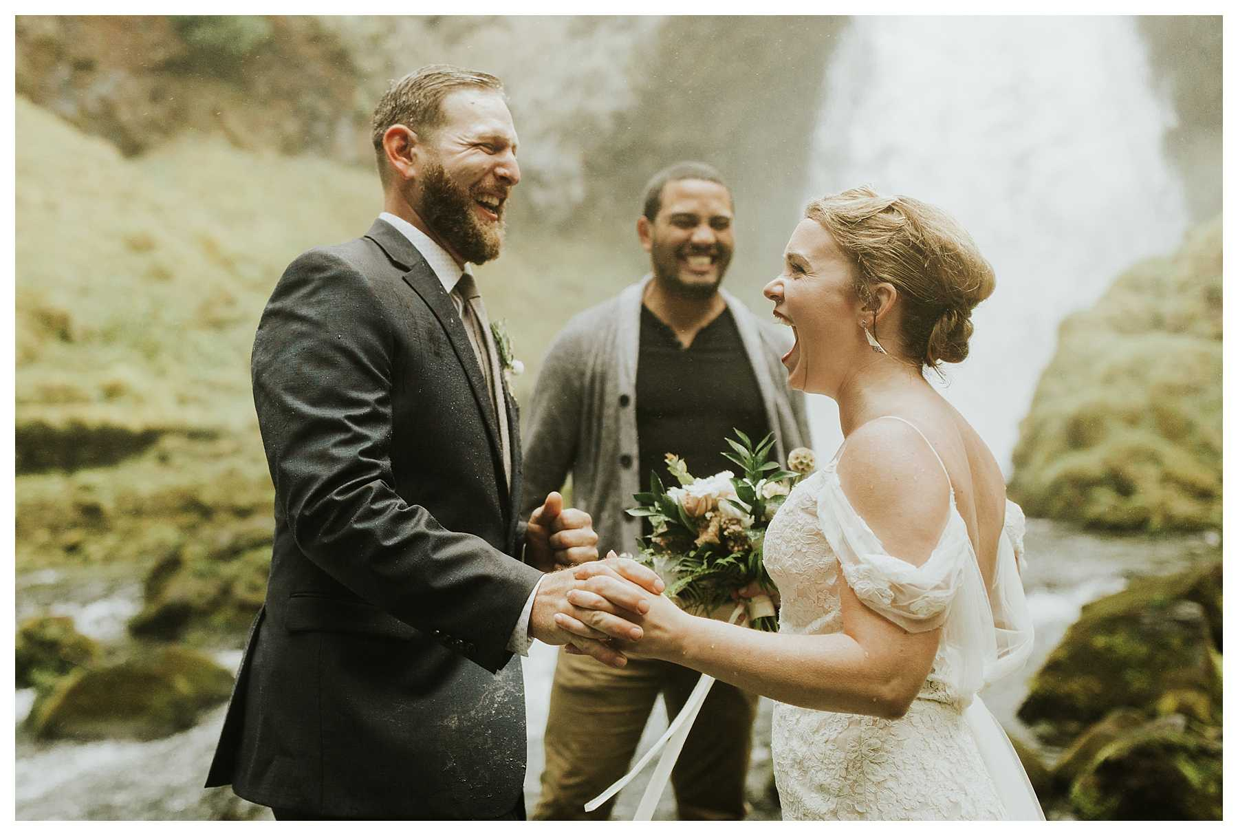 Oregon_Waterfall_Elopement_0054.jpg