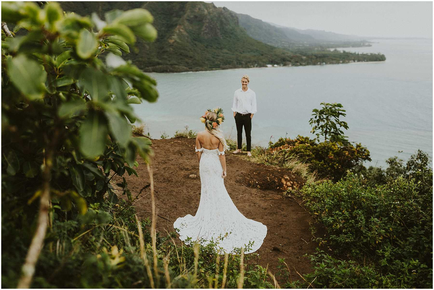 Oahu Hawaii Adventure Hiking Elopement