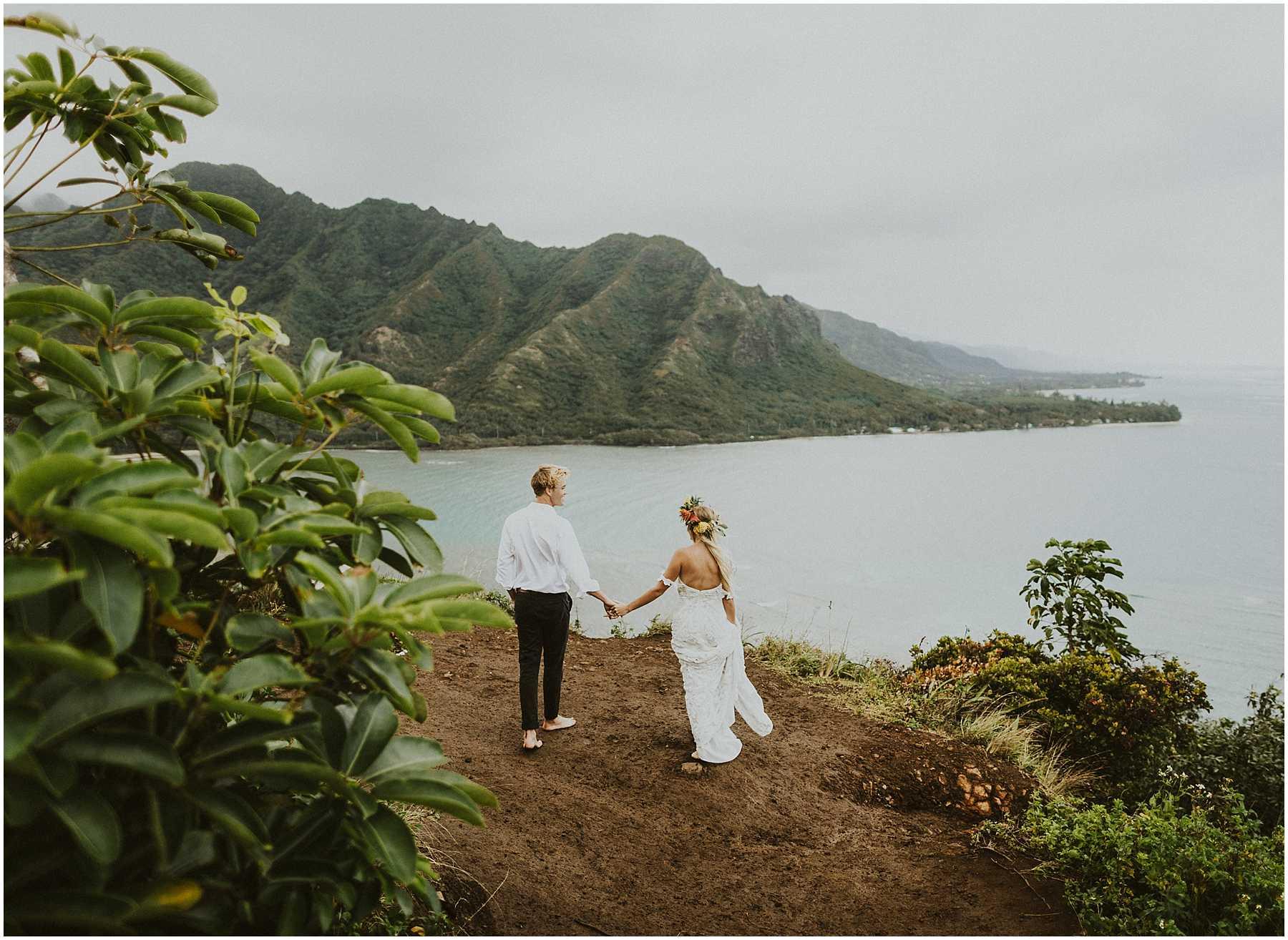 Oahu_Hawaii_Elopement_0005-1.jpg