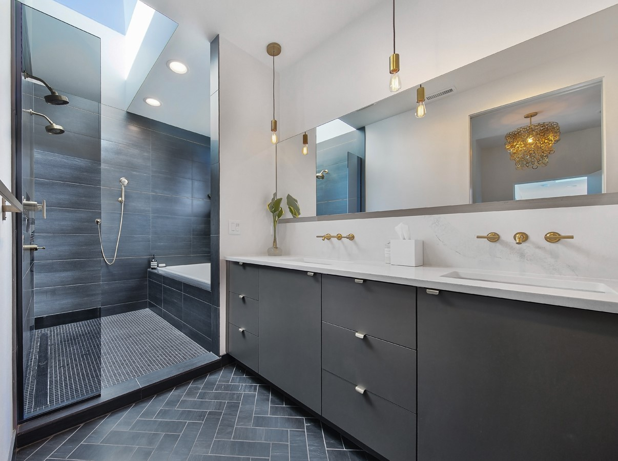 The Minimalist painted slab door in Slate, in the Infil-L project by m.o.daby design.