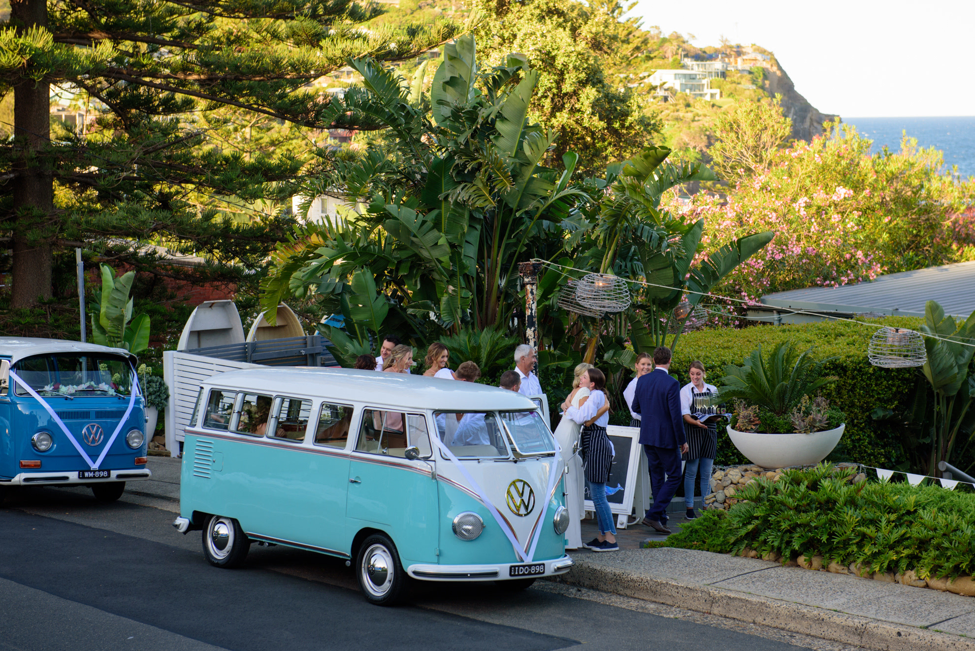 Kombi Weddings is the preferred kombi supplier to moby'S whale beach | PHOTO COURTESY OF CREEK STREET PHOTOGRAPHY