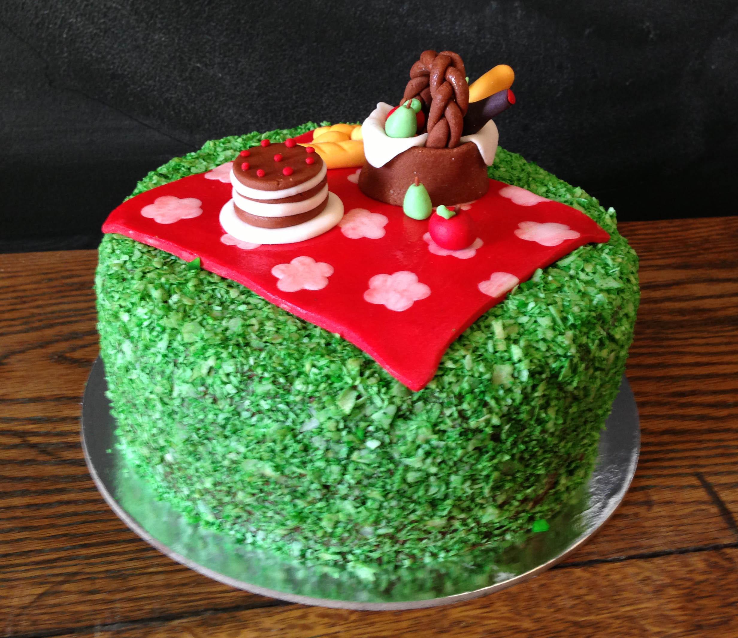 picknickcake.jpg