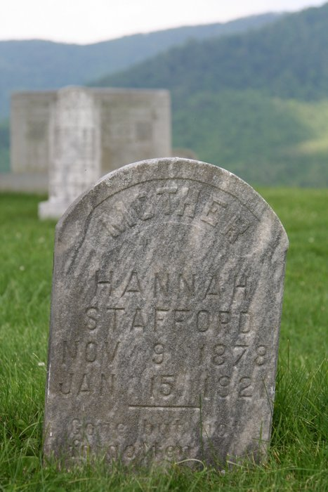 Hannah's grave at the Bear Creek Baptist Church, Bakersville, NC.  Note the incorrect date of death.