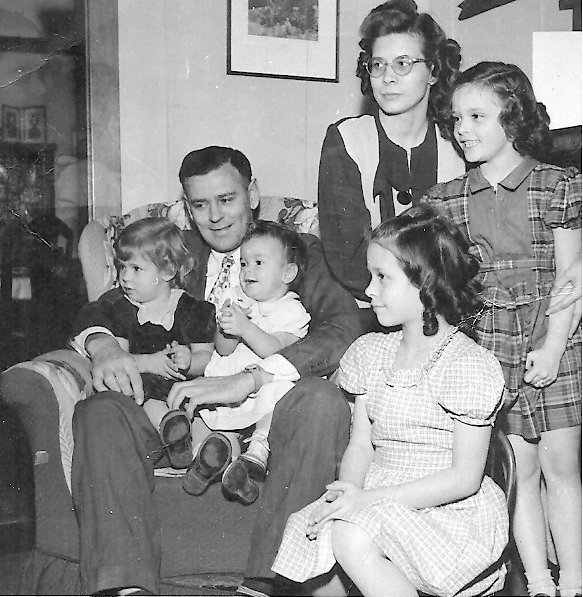 The Buerer family in 1949: Lois, Harry, Marilyn, Vickie, Peggy Ann & Nancy.