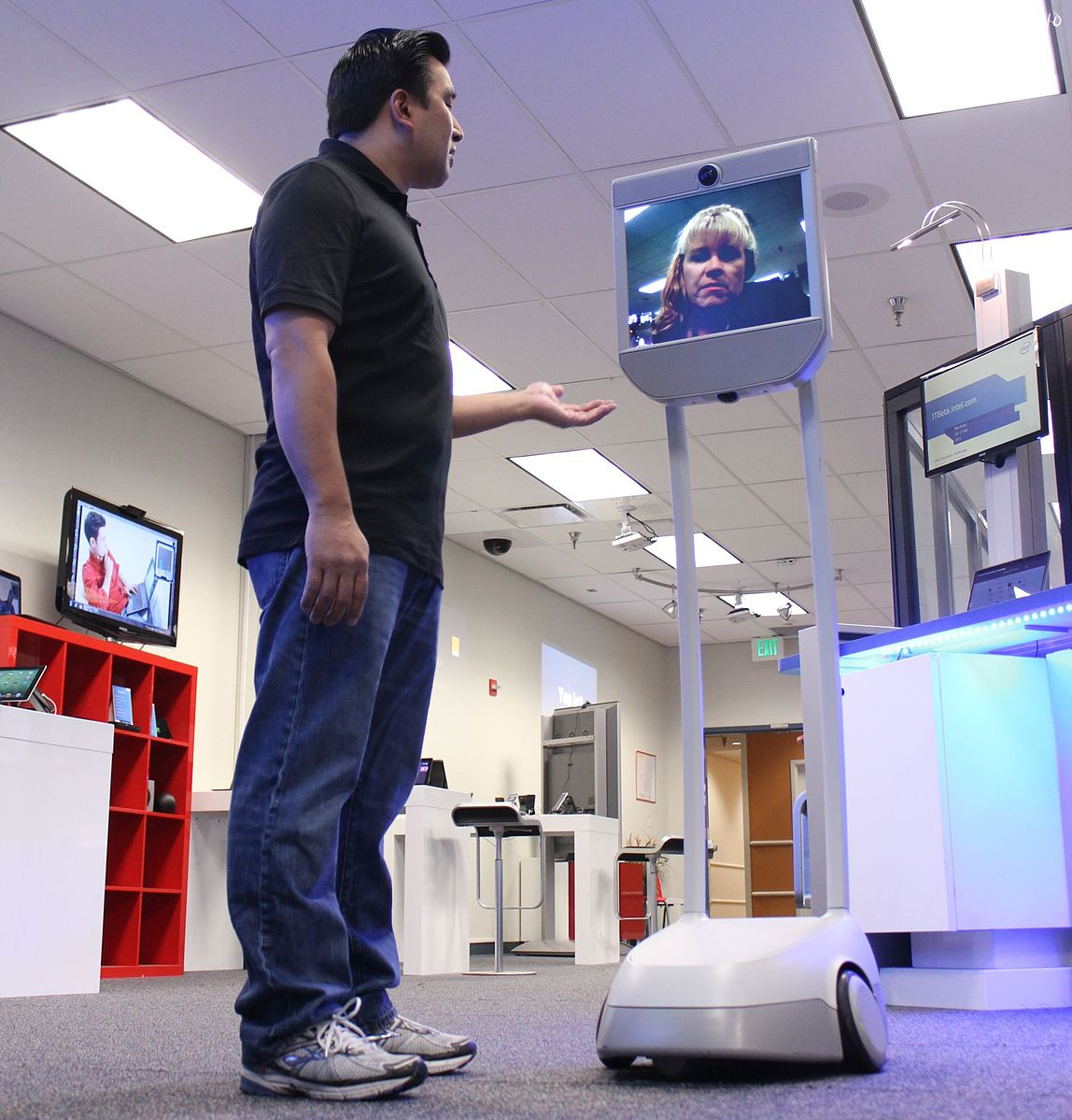 The Beam, a telepresence robot, allows homebound art lovers to explore famous museums from the comfort of their homes.