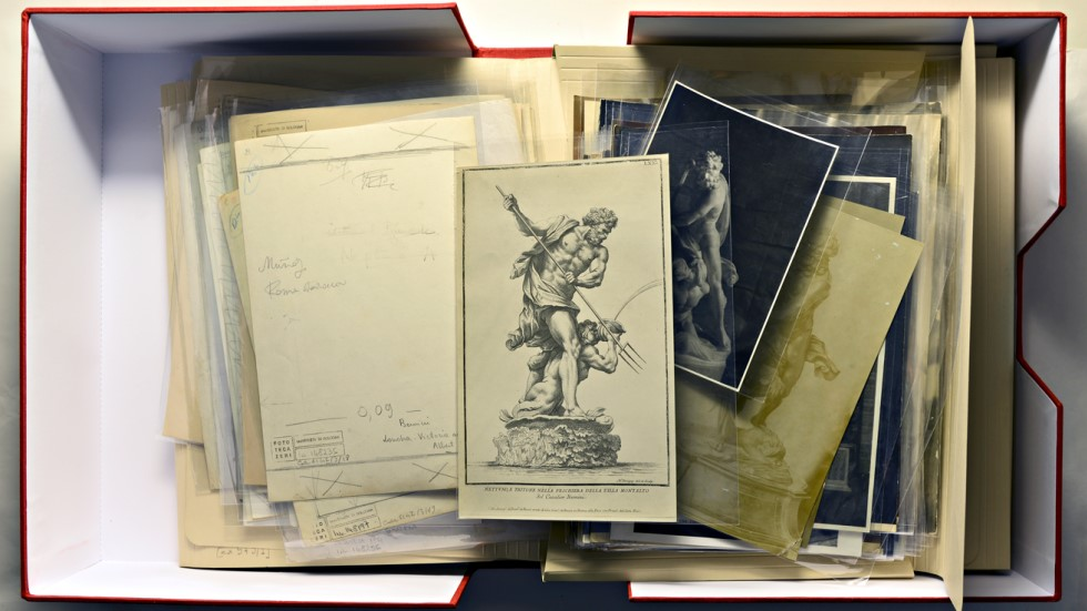 Example archival photo box.  Source:  http://pharosartresearch.org/