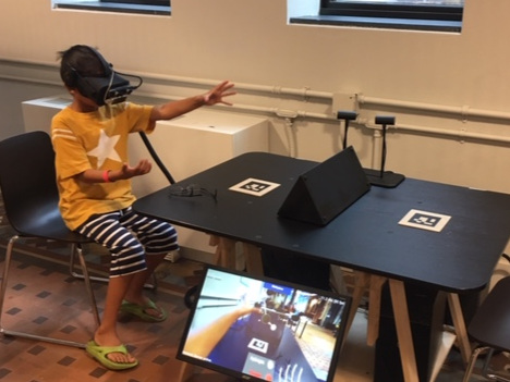 Building molecules in VR. Image credit: Author